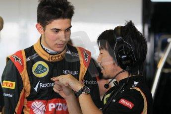 World © Octane Photographic Ltd. Wednesday 26th November 2014. Abu Dhabi Testing - Yas Marina Circuit. Lotus F1 Team E22 – Esteban Ocon. Digital Ref: 1175CB1D9017