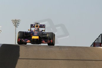 World © Octane Photographic Ltd. Wednesday 26th November 2014. Abu Dhabi Testing - Yas Marina Circuit. Infiniti Red Bull Racing RB10 – Daniel Ricciardo. Digital Ref: 1175CB1D9077