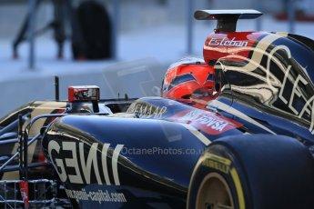 World © Octane Photographic Ltd. Wednesday 26th November 2014. Abu Dhabi Testing - Yas Marina Circuit. Lotus F1 Team E22 – Esteban Ocon. Digital Ref: 1175LB1D8423