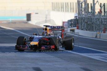 World © Octane Photographic Ltd. Tuesday 25th November 2014. Abu Dhabi Testing - Yas Marina Circuit. Infiniti Red Bull Racing RB10 – Daniel Ricciardo. Digital Ref: 1175LB1D8569