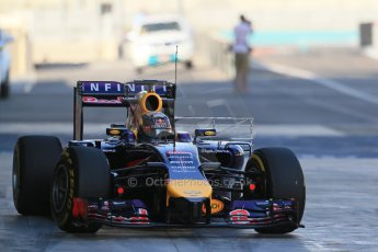 World © Octane Photographic Ltd. Wednesday 26th November 2014. Abu Dhabi Testing - Yas Marina Circuit. Infiniti Red Bull Racing RB10 – Daniel Ricciardo. Digital Ref: 1175LB1D8579