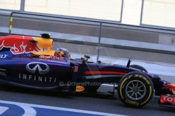 World © Octane Photographic Ltd. Wednesday 26th November 2014. Abu Dhabi Testing - Yas Marina Circuit. Infiniti Red Bull Racing RB10 – Daniel Ricciardo. Digital Ref: 1175LB1D8992