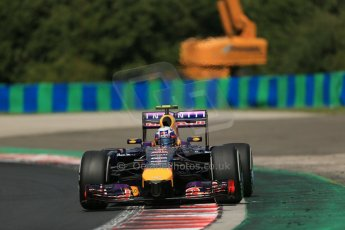 World © Octane Photographic Ltd. 2014 Saturday 26th July 2014. Hungarian GP, Hungaroring - Budapest. Practice 3. Infiniti Red Bull Racing RB10 – Daniel Ricciardo. Digital Ref: 1064LB1D1511