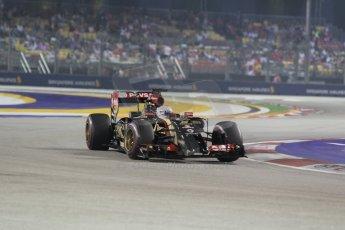 World © Octane Photographic Ltd. Saturday 20th September 2014, Singapore Grand Prix, Marina Bay. - Formula 1 Race outlap. Lotus F1 Team E22 - Romain Grosjean. Digital Ref: 1127CB1D1077