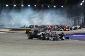 World © Octane Photographic Ltd. Sunday 21st September 2014, Singapore Grand Prix, Marina Bay. - Formula 1 Race start lap 1. Digital Ref: 1127CB1D1192