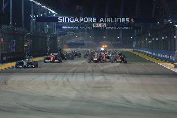 World © Octane Photographic Ltd. Sunday 21st September 2014, Singapore Grand Prix, Marina Bay. - Formula 1 Race start lap 1. Digital Ref: 1127LB1D3229