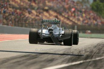 World © Octane Photographic Ltd. Friday 9th May 2014. Circuit de Catalunya - Spain - Formula 1 Practice 2 pitlane. Mercedes AMG Petronas F1 W05 Hybrid – Lewis Hamilton. Digital Ref: