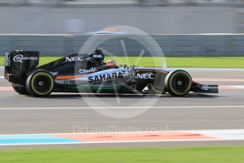 World © Octane Photographic Ltd. Sahara Force India VJM08B – Nico Hulkenberg. Friday 27th November 2015, F1 Abu Dhabi Grand Prix, Practice 1, Yas Marina. Digital Ref: 1477CB1L5310