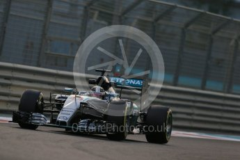 World © Octane Photographic Ltd. Mercedes AMG Petronas F1 W06 Hybrid – Lewis Hamilton. Friday 27th November 2015, F1 Abu Dhabi Grand Prix, Practice 2, Yas Marina. Digital Ref: 1478LB1D7112