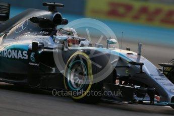 World © Octane Photographic Ltd. Mercedes AMG Petronas F1 W06 Hybrid – Lewis Hamilton. Friday 27th November 2015, F1 Abu Dhabi Grand Prix, Practice 2, Yas Marina. Digital Ref: 1478LB1D7121