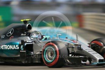 World © Octane Photographic Ltd. Mercedes AMG Petronas F1 W06 Hybrid – Nico Rosberg. Friday 27th November 2015, F1 Abu Dhabi Grand Prix, Practice 2, Yas Marina. Digital Ref: 1478LB1D7370