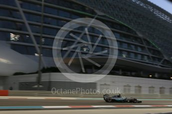 World © Octane Photographic Ltd. Manor Marussia F1 Team MR03B – Roberto Merhi. Friday 27th November 2015, F1 Abu Dhabi Grand Prix, Practice 2, Yas Marina. Digital Ref: 1478LB5D4318