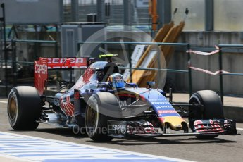 World © Octane Photographic Ltd. Scuderia Toro Rosso STR10 – Carlos Sainz Jnr. Saturday 25th July 2015, F1 Hungarian GP Practice 3, Hungaroring, Hungary. Digital Ref: 1352LB1D0450