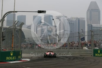 World © Octane Photographic Ltd. Scuderia Ferrari SF15-T– Sebastian Vettel. Friday 18th September 2015, F1 Singapore Grand Prix Practice 1, Marina Bay. Digital Ref: 1428LB1D4623