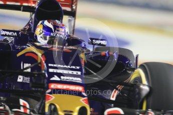World © Octane Photographic Ltd. Scuderia Toro Rosso STR10 – Max Verstappen. Friday 18th September 2015, F1 Singapore Grand Prix Practice 2, Marina Bay. Digital Ref: 1429CB7D0457