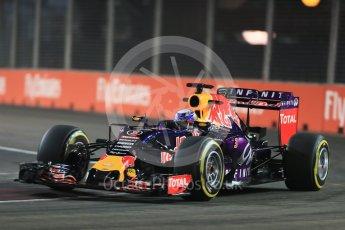 World © Octane Photographic Ltd. Infiniti Red Bull Racing RB11 – Daniel Ricciardo. Friday 18th September 2015, F1 Singapore Grand Prix Practice 2, Marina Bay. Digital Ref: 1429LB1D5997