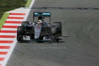 World © Octane Photographic Ltd. Mercedes AMG Petronas F1 W06 Hybrid – Lewis Hamilton. Saturday 9th May 2015, F1 Spanish GP Qualifying, Circuit de Barcelona-Catalunya, Spain. Digital Ref: 1257LB1D8512