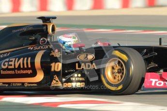 World © Octane Photographic 2010. © Octane Photographic 2011. Formula 1 testing Saturday 19th February 2011 Circuit de Catalunya. Renault R31 - Vitaly Petrov. Digital ref : 0025CB1D0080