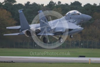 """World © Octane Photographic Ltd. RAF Lakenheath operations 16th November 2015, USAF (United States Air Force) 48th Fighter Wing """"Statue of Liberty Wing"""" 492 Fighter Squadron """"Madhatters"""", McDonnell Douglas F-15E Strike Eagle LN 91-312 doing an emergency landing with an hydraulic/exhaust problem. Digital Ref : 1469CB7D0045"""