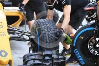 World © Octane Photographic Ltd. Renault Sport F1 Team RS16 - Pit Stop Practice. Friday 25th November 2016, F1 Abu Dhabi GP - Practice 1, Yas Marina circuit, Abu Dhabi. Digital Ref :