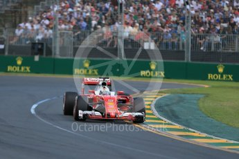 World © Octane Photographic Ltd. Scuderia Ferrari SF16-H – Sebastian Vettel. Sunday 20th March 2016, F1 Australian GP Race, Melbourne, Albert Park, Australia. Digital Ref : 1524LB1D7004