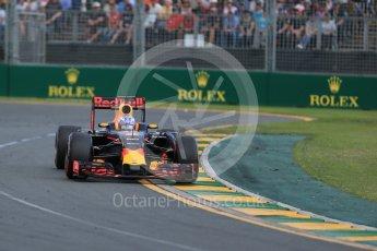 World © Octane Photographic Ltd. Red Bull Racing RB12 – Daniel Ricciardo. Sunday 20th March 2016, F1 Australian GP Race, Melbourne, Albert Park, Australia. Digital Ref : 1524LB1D7246