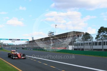 World © Octane Photographic Ltd. Scuderia Ferrari SF16-H – Sebastian Vettel. Sunday 20th March 2016, F1 Australian GP Race, Melbourne, Albert Park, Australia. Digital Ref : 1524LB5D2264