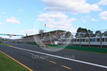 World © Octane Photographic Ltd. Renault Sport F1 Team RS16 - Kevin Magnussen. Sunday 20th March 2016, F1 Australian GP Race, Melbourne, Albert Park, Australia. Digital Ref : 1524LB5D2333