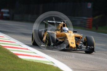 World © Octane Photographic Ltd. Renault Sport F1 Team RS16 - Kevin Magnussen. Friday 2nd September 2016, F1 Italian GP Practice 1, Monza, Italy. Digital Ref:1697LB1D4944