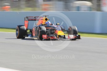 World © Octane Photographic Ltd. Red Bull Racing RB12 – Daniel Ricciardo. Friday 13th May 2016, F1 Spanish GP - Practice 1, Circuit de Barcelona Catalunya, Spain. Digital Ref : 1536CB1D7407