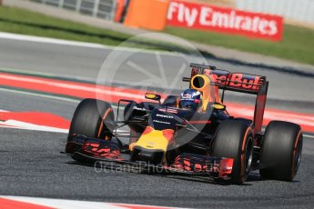 World © Octane Photographic Ltd. Red Bull Racing RB12 – Daniel Ricciardo. Friday 13th May 2016, F1 Spanish GP - Practice 1, Circuit de Barcelona Catalunya, Spain. Digital Ref : 1536LB1D4467