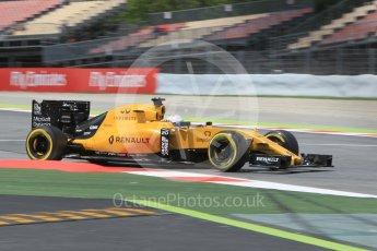 World © Octane Photographic Ltd. Renault Sport F1 Team RS16 - Kevin Magnussen. Friday 13th May 2016, F1 Spanish GP Practice 2, Circuit de Barcelona Catalunya, Spain. Digital Ref : 1539CB1D8702