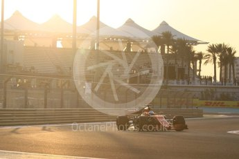 World © Octane Photographic Ltd. Formula 1 - Abu Dhabi Grand Prix - Friday - Practice 2. Fernando Alonso - McLaren Honda MCL32. Yas Marina Circuit, Abu Dhabi. Friday 24th November 2017. Digital Ref: 2003CB1L6016