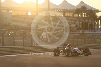 World © Octane Photographic Ltd. Formula 1 - Abu Dhabi Grand Prix - Friday - Practice 2. Pascal Wehrlein – Sauber F1 Team C36. Yas Marina Circuit, Abu Dhabi. Friday 24th November 2017. Digital Ref: 2003CB1L6104