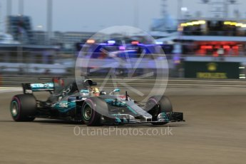 World © Octane Photographic Ltd. Formula 1 - Abu Dhabi Grand Prix - Friday - Practice 2. Lewis Hamilton - Mercedes AMG Petronas F1 W08 EQ Energy+. Yas Marina Circuit, Abu Dhabi. Friday 24th November 2017. Digital Ref: 2003CB1L6687