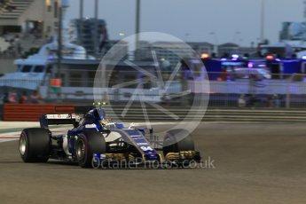 World © Octane Photographic Ltd. Formula 1 - Abu Dhabi Grand Prix - Friday - Practice 2. Pascal Wehrlein – Sauber F1 Team C36. Yas Marina Circuit, Abu Dhabi. Friday 24th November 2017. Digital Ref: 2003CB1L6709