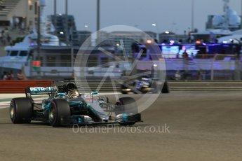 World © Octane Photographic Ltd. Formula 1 - Abu Dhabi Grand Prix - Friday - Practice 2. Lewis Hamilton - Mercedes AMG Petronas F1 W08 EQ Energy+. Yas Marina Circuit, Abu Dhabi. Friday 24th November 2017. Digital Ref: 2003CB1L6740