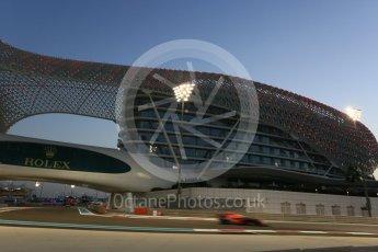 World © Octane Photographic Ltd. Formula 1 - Abu Dhabi Grand Prix - Friday - Practice 2. Daniel Ricciardo - Red Bull Racing RB13. Yas Marina Circuit, Abu Dhabi. Friday 24th November 2017. Digital Ref: 2003CB5D0120