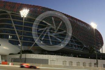 World © Octane Photographic Ltd. Formula 1 - Abu Dhabi Grand Prix - Friday - Practice 2. Max Verstappen - Red Bull Racing RB13. Yas Marina Circuit, Abu Dhabi. Friday 24th November 2017. Digital Ref: 2003CB5D0172