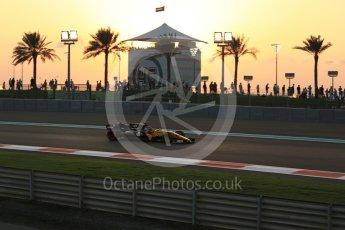 World © Octane Photographic Ltd. Formula 1 - Abu Dhabi Grand Prix - Friday - Practice 2. Nico Hulkenberg - Renault Sport F1 Team R.S.17. Yas Marina Circuit, Abu Dhabi. Friday 24th November 2017. Digital Ref: 2003LB2D8535