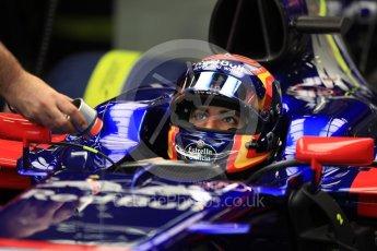 World © Octane Photographic Ltd. Formula 1 - Singapore Grand Prix - Practice 3. Carlos Sainz - Scuderia Toro Rosso STR12. Marina Bay Street Circuit, Singapore. Saturday 16th September 2017. Digital Ref:1962LB1D1582