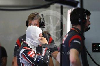 World © Octane Photographic Ltd. Formula 1 - Singapore Grand Prix - Practice 3. Kevin Magnussen - Haas F1 Team VF-17. Marina Bay Street Circuit, Singapore. Saturday 16th September 2017. Digital Ref:1962LB1D1616