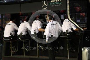 World © Octane Photographic Ltd. Formula 1 - Singapore Grand Prix - Practice 3. Mercedes AMG Petronas F1 pit wall. Marina Bay Street Circuit, Singapore. Saturday 16th September 2017. Digital Ref:1962LB1D1888