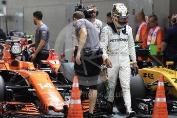 World © Octane Photographic Ltd. Formula 1 - Singapore Grand Prix - Qualifying. Lewis Hamilton - Mercedes AMG Petronas F1 W08 EQ Energy+. Marina Bay Street Circuit, Singapore. Saturday 16th September 2017. Digital Ref:1963LB1D2628