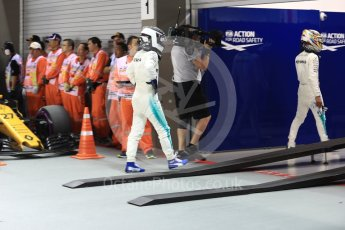 World © Octane Photographic Ltd. Formula 1 - Singapore Grand Prix - Qualifying. Lewis Hamilton and Valtteri Bottas - Mercedes AMG Petronas F1 W08 EQ Energy+. Marina Bay Street Circuit, Singapore. Saturday 16th September 2017. Digital Ref:1963LB1D2642