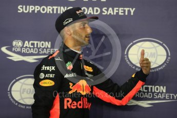 World © Octane Photographic Ltd. Formula 1 - Singapore Grand Prix - Qualifying. Daniel Ricciardo - Red Bull Racing RB13. Marina Bay Street Circuit, Singapore. Saturday 16th September 2017. Digital Ref:1963LB1D2677