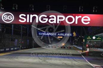 World © Octane Photographic Ltd. Formula 1 - Singapore Grand Prix - Race. Lights out - race start. Marina Bay Street Circuit, Singapore. Sunday 17th September 2017. Digital Ref: