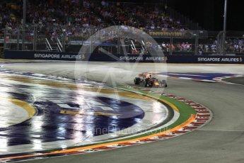 World © Octane Photographic Ltd. Formula 1 - Singapore Grand Prix - Race. Daniel Ricciardo - Red Bull Racing RB13. Marina Bay Street Circuit, Singapore. Sunday 17th September 2017. Digital Ref: