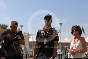 World © Octane Photographic Ltd. Formula 1 –  Abu Dhabi GP - Paddock. Aston Martin Red Bull Racing TAG Heuer RB14 – Daniel Ricciardo. Yas Marina Circuit, Abu Dhabi. Saturday 24th November 2018.