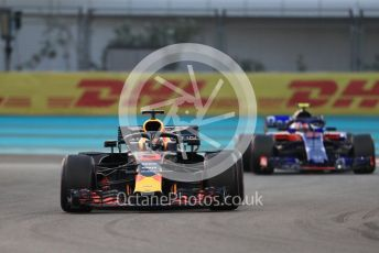 World © Octane Photographic Ltd. Formula 1 –  Abu Dhabi GP - Practice 2. Aston Martin Red Bull Racing TAG Heuer RB14 – Daniel Ricciardo and Scuderia Toro Rosso STR13 – Pierre Gasly. Yas Marina Circuit, Abu Dhabi. Friday 23rd November 2018.